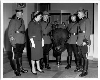 presentation of head by Niagara Patks Commr by J LaMarsh 26-10-1961